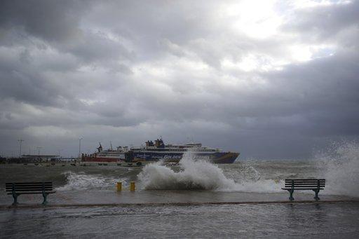 Αγριεύει ο καιρός: Παγωνιά, καταιγίδες και θυελλώδεις βοριάδες σε όλη την Ελλάδα