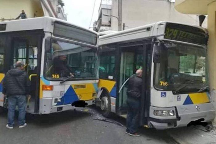 Σύγκρουση λεωφορείων στο Αιγάλεω - Έντεκα τραυματίες