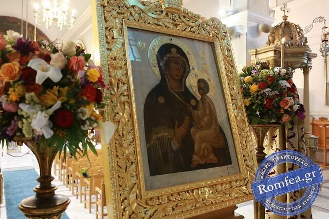 Κυριακάτικο συλλείτουργο στον Ιερό Ναό της Αγίας Βαρβάρας