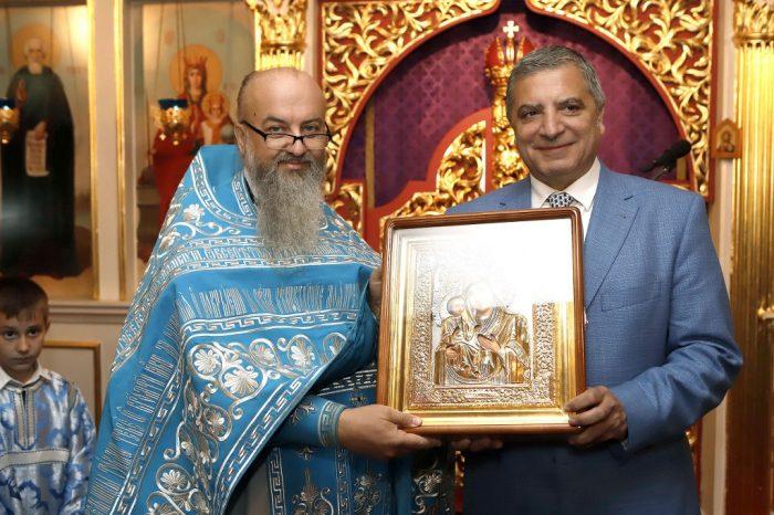 Για την προσφορά του στον άνθρωπο βραβεύτηκε από τον πάτερ Γρηγόριο Πιγκάλοβ, ο υποψήφιος Περιφερειάρχης Αττικής, Πρόεδρος της ΚΕΔΕ και του ΙΣΑ Γ. Πατούλης