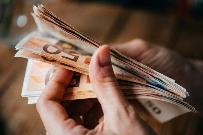 Έξι επιδόματα πληρώνονται την επόμενη εβδομάδα (ημερομηνίες)