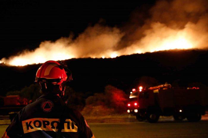 Κόκκινος συναγερμός από ΓΓΠΠ για καύσωνα και πυρκαγιές – Παρόμοια κατάσταση έχει να παρουσιαστεί στην χώρα από το 2012