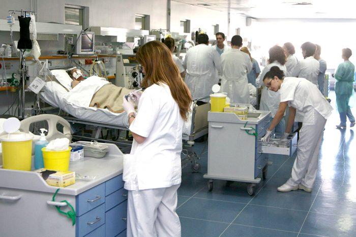 Κικίλιας: Άμεσα 3.500 προσλήψεις στην Υγεία -Γιατροί, νοσηλευτές, τραυματιοφορείς