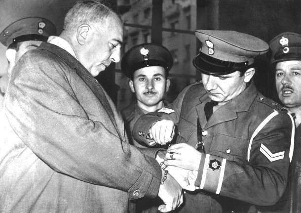 Σαν Σήμερα: 1959 το σκάνδαλο της απελευθέρωσης του Μέρτεν