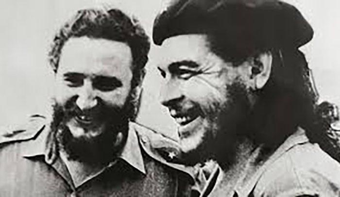 Σαν Σήμερα: 1956 Φιντέλ και Τσε αποβιβάζονται στην Κούβα