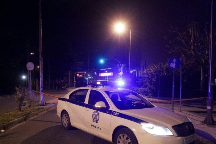 Χαϊδάρι: «Φαρ ουέστ» σε υπαίθριο πάρκινγκ με 30 πυροβολισμούς - Από τύχη σώθηκε άστεγος
