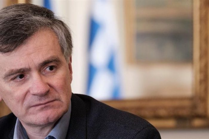 Le Figaro: Ο Σωτήρης Τσιόδρας είναι ο νέος αγαπημένος των Ελλήνων