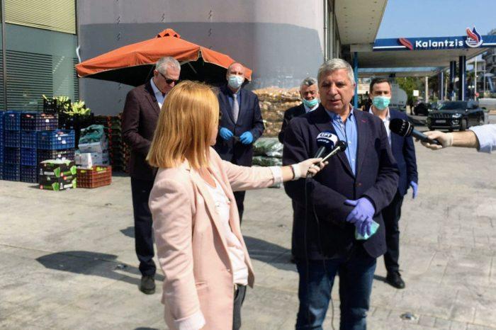 Σε κοινωνικές δομές της Περιφέρειας Αττικής θα παραδοθούν από την Παναττική Ομοσπονδία Σωματείων Επαγγελματιών Πωλητών Λαϊκών Αγορών τα αδιάθετα προϊόντα