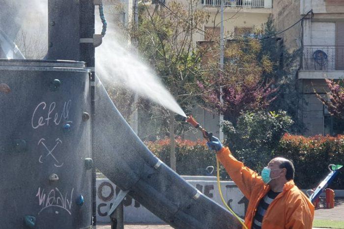 Συνεχίζεται το πρόγραμμα απολυμάνσεων σε πλατείες και κοινόχρηστους χώρους στο Δήμο Κορυδαλλού