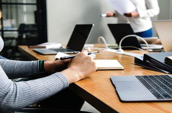 Ενίσχυση 800€ -Πώς θα την πάρετε -Τα «sos» & οι παγίδες για εργοδότη & εργαζόμενο