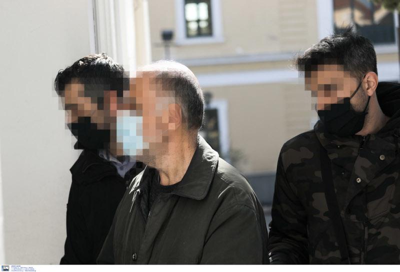 Προφυλακίστηκε ο 62χρονος καθηγητής που κατηγορείται ότι κακοποιούσε σεξουαλικά ανήλικο επί 7 χρόνια [εικόνες]