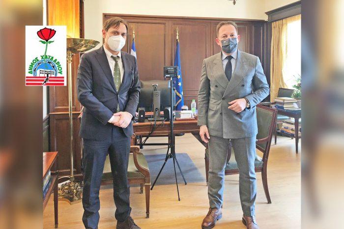 Συνάντηση του Δημάρχου Βαγγέλη Ντηνιακού με τον Αναπληρωτή Υπουργό Εσωτερικών Στέλιο Πέτσα
