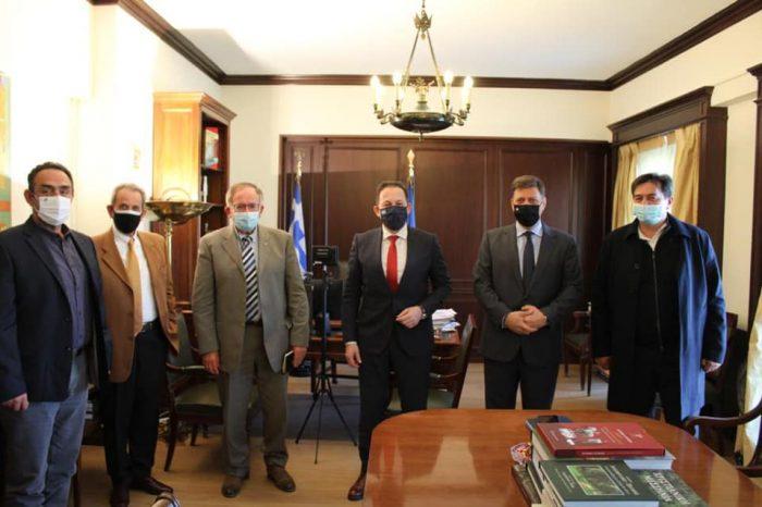 Συνάντηση Αναπληρωτή Υπουργού Εξωτερικών Μιλτιάδη Βαρβιτσιώτη με τον Αναπληρωτή Υπουργό Εσωτερικών Στέλιο Πέτσα και τον Δήμαρχο Πετρουπόλεως Στέφανο Βλάχο