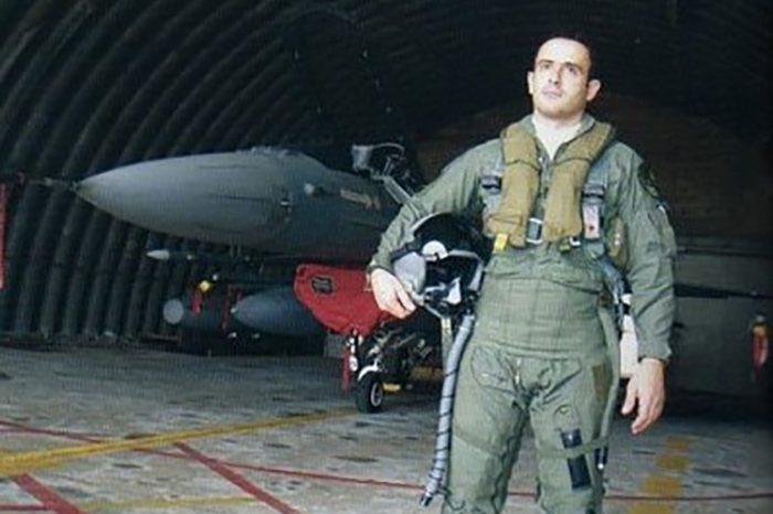 Σμηναγός Κώστας Ηλιάκης: 15 χρόνια από τον θάνατο του ήρωα της Πολεμικής Αεροπορίας